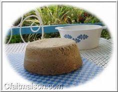 Pain à la farine de sarrasin, sans gluten, cuit à la vapeur 400 g. de farine de sarrasin, 1 c. à c. de levure sèche de boulangerie en granulés, 1 c. à c. de sel, 400 g. d'eau.