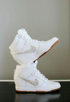 Beautifully Unique Miami Wedding + A Pizza Cake Nike Wedge Sneakers, Nike Heels, Nike Wedges, Sneakers Mode, Sneaker Heels, Sneakers Fashion, Fashion Shoes, Shoes Sneakers, Wedge Wedding Shoes