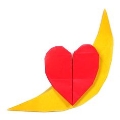 Learn to make and origami heart easily. Nice place to learn unique origami models using paper. 3d Origami Heart, Diy Arts And Crafts, Paper Crafts, Origami Models, Origami Design, Over The Moon, Kirigami, Valentines, Learning