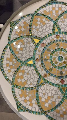 Mosaic Garden Art, Mosaic Tile Art, Mosaic Flower Pots, Mosaic Artwork, Mosaic Crafts, Mosaic Projects, Easy Mosaic, Mosaic Ideas, Mosaic Designs