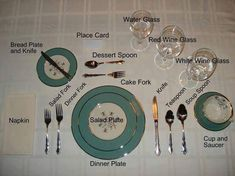 Keep this handy to remember how to set up your formal dinner or tea party place settings. Proper Table Setting, Tea Table Settings, Place Settings, Setting Table, Dinner Table, Dinner Plates, Tables Tableaux, Dining Etiquette, Etiquette Dinner
