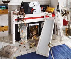 Abenteuerbett Pirat IV ↠Entdecken sie bei uns im Onlineshop eine fantastische Auswahl an #Abenteuerbetten, die die Phantasie ihrer Kinder anregen:  https://www.more2home.de/abenteuerbett-pirat-iv-halbhoch-2009/ ↠ #Kinderbetten #Abenteuerbett #Hochbett #Kinderzimmer