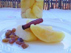 Σπιτική συνταγή για κομπόστα μήλου με άρωμα κανέλας Fruit Salad, Ethnic Recipes, Food, Fruit Salads, Essen, Meals, Yemek, Eten