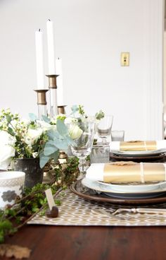 Rustic + glam Thanksgiving table top.