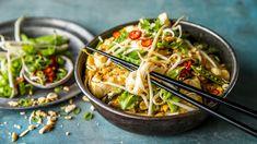 Rask og enkel rød fiskecurry med nudler Norwegian Food, Japchae, Ramen, Nom Nom, Seafood, Squash, Curry, Cooking, Healthy