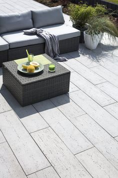Polbruk Linea, piękne płyty tarasowe o fakturze trawertynu Outdoor Furniture Sets, Outdoor Decor, Garden, Home Decor, Garten, Decoration Home, Room Decor, Lawn And Garden, Gardens