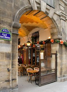 Terrasse - Place des Vosges, Paris