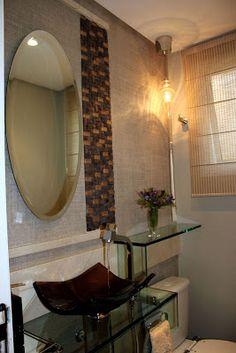 Ideias de decoração de lavabo com papel de parede - Ateliê Revestimentos. Saiba mais no blog http://www.atelierevestimentos.blogspot.com.br/