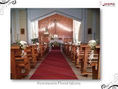 Arreglo Floral para Comuniones realizado con margaritas y rosas blancas de la Iglesia de la Paz en Cuenca (España)