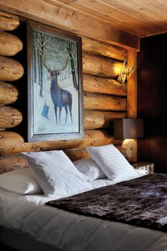 Continuing the chalet topic, I'd like to tell you about beautiful and extremely cozy chalet bedrooms. Chalets are all about wood and stone, that's why Winter Cabin, Cozy Cabin, Cabana, Little Cabin, Log Cabin Homes, Cabins And Cottages, Mountain Homes, Cabins In The Woods, The Ranch