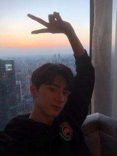 Chinese Boy, Chinese Model, Me As A Girlfriend, My Boyfriend, Yang Yang Actor, Korean Boys Ulzzang, Ulzzang Boy, Selfie Poses, Kdrama Actors