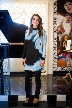 ♔♛Queen Rania of Jordan♔♛...13/5/2015: Queen Rania visited Shifa' Bint Awf School for Girls and checked on the progress pf several educational projects carried out by the Jordan Education Initiative as well as Watan Music Chamber.
