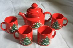 Waechtersbach Christmas Tree Tea Pot and Mugs... I am so ready to get mine out and start using them:)