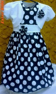 Vestido Frocks For Girls, Kids Frocks, Little Girl Dresses, Girls Dresses, Little Girl Fashion, Kids Fashion, Dress Anak, Girl Dress Patterns, Girl Doll Clothes