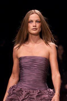 Oscar de la Renta Runway Hair and Makeup   POPSUGAR Beauty