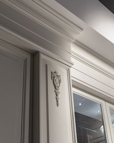 Decor Interior Design, Furniture Design, Cornice Design, Corridor Design, Plafond Design, Contemporary Doors, Classic Interior, Diy Home Decor Projects, Ceiling Design