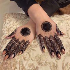 Simple Mehndi Designs Fingers, Kashee's Mehndi Designs, Pretty Henna Designs, Latest Henna Designs, Finger Henna Designs, Stylish Mehndi Designs, Full Hand Mehndi Designs, Mehndi Designs For Girls, Mehndi Designs For Beginners