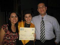 Chuy y Nay en mi graduacion