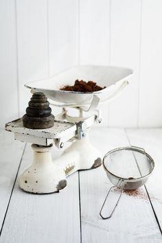 I love a vintage kitchen scale.