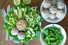 Green Buddha Bowl with cauliflower/quinoa balls and miso dip