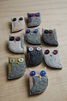 Handmade owl brooches - made with recycled wool & buttons (c)Julia Laing 2010 <>(sewing, crafts, jewelry) Fabric Art, Fabric Crafts, Sewing Crafts, Sewing Projects, Fabric Brooch, Owl Crafts, Owl Art, Wool Applique, Fabric Jewelry