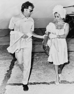 Elizabeth Taylor and Richard Burton 8x10 Reprint Of Old Photo