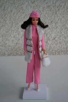 walking lively Steffie in european exclusive fashion from 1974 #7978 St. Moritz   by puppi17
