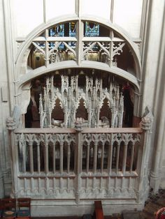 Tomb of Edward II, Gloucester Cathedral Uk History, British History, Family History, Gothic Architecture, Architecture Design, Great Britan, Gloucester Cathedral, Royal Christmas, Grave Markers