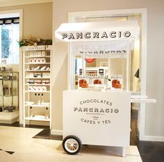 Santa Eulalia Ice Cream Cart, Ice Cream Parlor, Coffee Food Truck, Vendor Cart, Food Cart Design, Mobile Food Cart, Aesthetic Stores, Bike Food, Ice Cream Packaging