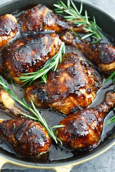 A sticky sweet and tangy sauce coats this cast iron skillet chicken! This dish will be a huge hit in your house and you will love using your cast iron skillet in no time! Chicken Cast Iron Skillet, Best Cast Iron Skillet, Iron Skillet Recipes, Chicken Skillet Recipes, Cast Iron Recipes, Skillet Meals, Cast Iron Chicken Recipes, Skillet Cooking, Cast Iron Roasted Chicken