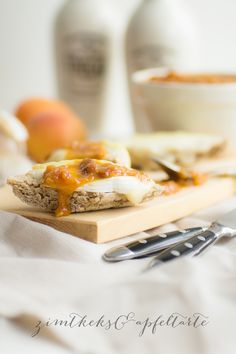 Aprikosen-Chutney mit getrockneten Tomaten - Zimtkeks und Apfeltarte