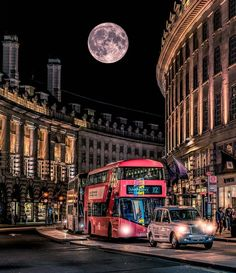 Regent Street, Westminster - Travel and Extra City Of London, London Bus, London Night, Piccadilly Circus, London Underground, London Calling, Royal Caribbean, Beautiful London, Beautiful Places