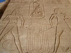 Relieve en el TEMPLO DE RAMSES II en ABU SIMBEL ubicado en la región de Nubia en el Alto Egipto a orillas del lago Nasser.