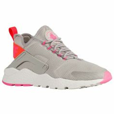6aaf1619538  69.99 Selected Style  Light Iron Ore Total Crimson Pink Blast Width  B. Nike  Air HuaracheFoot ...