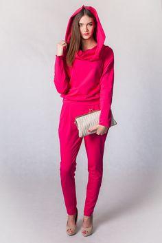 Overalls in intensive fuchsia colour - for self-confident, positive women