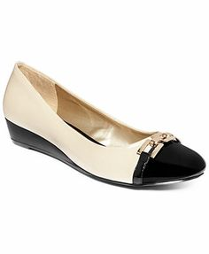 Karen Scott Mahri Flats. Black cap toe!