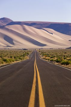 Sand Mountain Nevada - the perfect outdoor destination for ATVing, stargazing, or camping near Fallon Nevada. Also best things to do in Fallon NV Zion National Park, National Parks, Fallon Nevada, Thru Hiking, Hiking Usa, Beautiful Roads, California Camping, Belle Villa, Appalachian Trail
