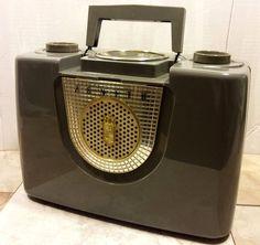 Zenith Radio Model 4-J-40-2G, AM Portable AC/DC Radio #ZenithElectronicsLLC
