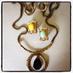 Necklace set $15.00, rings $10.00 each @midtownglam#jewelry#fashionjewelry#accessories#fashionaccessories#necklace#rings#trends#fashion#lotd#girly