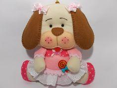 cachorrinha de feltro com enchimento acrilico para decorar quartos de bebes,porta de maternidade, pode adaptar em guirlandas e placas com nome. o comprimento é 18 cm ,largura 18 cm , 4 cm de altura(deitada) e pesa 60 gr.