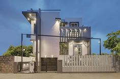 Daylight House | Residential Architect | Ashwin Architects, Bengaluru, INDIA, Single Family, New Construction, Architectural Detail, Bath, Bedroom, Deck, Dining Room, Entryway, Exteriors, Home Office, Kitchen, Living Room, Outdoor, Patio, Storage/Closets, Modern