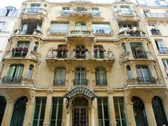 LES ARUMS Rue du Champs de Mars, 33 7º París (Francia)