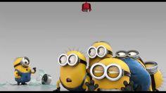 Despicable Me Minions changing a light bulb video. in Despicable Me Minion Videos Amor Minions, Minion Gif, Minions Do Mal, Minions Mini Movie, Despicable Minions, Evil Minions, Minions Friends, Minions Fans, Minion Videos