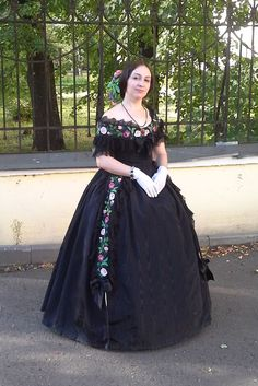 dress in the style of the second rococo (1850s )