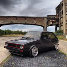 Volkswagen Golf GTi looking sturdy. Beetles Volkswagen, Volkswagen Golf Mk1, Vw Mk1, Vw Golf Cabrio, Golf Mk2, Compare Car Insurance, Insurance Comparison, Exotic Sports Cars, Vw Cars
