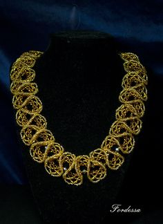 """""""Amber Waltz"""" beadwoven necklace by Fordessa (Alyona) on biser.info. Oglala lace stitch in an unusual palette."""