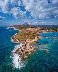 Costa Navarino in Greece.   Blog by the Planet D   #Travel #TravelPhotography #Wanderlust #TravelInspiration #Greece Beautiful Places To Visit, Oh The Places You'll Go, Beautiful Beaches, Cool Places To Visit, Beautiful World, Places To Travel, Travel Destinations, Santorini, Mykonos