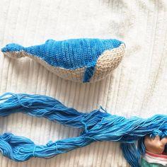 Получила сказочную пасму от @mrs.smolyaninova из Курска в рамках #knitting_santa_2016 от @liss_ssa @margarita.terekhova @natalia.tarabanova @katerina.rodimova @sveta_woolhead_ и еле еле успела связать кита, чтобы показать его до 20-го числа! 🐋 спасибо Олечка и все организаторы! Я такая счастливая была когда получила эту посылку и сразу вспомнила как хотела кита! #kotikova_whale #whale #knit #knitting #crochet #вяжутнетолькобабушки #iloveknitting #кит #киткрючком #holyollyknitting