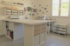 Aude du blog Un jour, un DIY vous propose d'aménager votre atelier de couture intégralement avec des meubles Ikea. Des conseils et astuces DIY à ne pas louper !