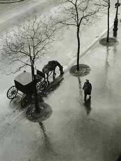 Boulevard Poissoniére,Paris -  foto di Roger Parry 1943